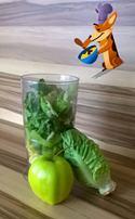Jablkové smoothie se salátem